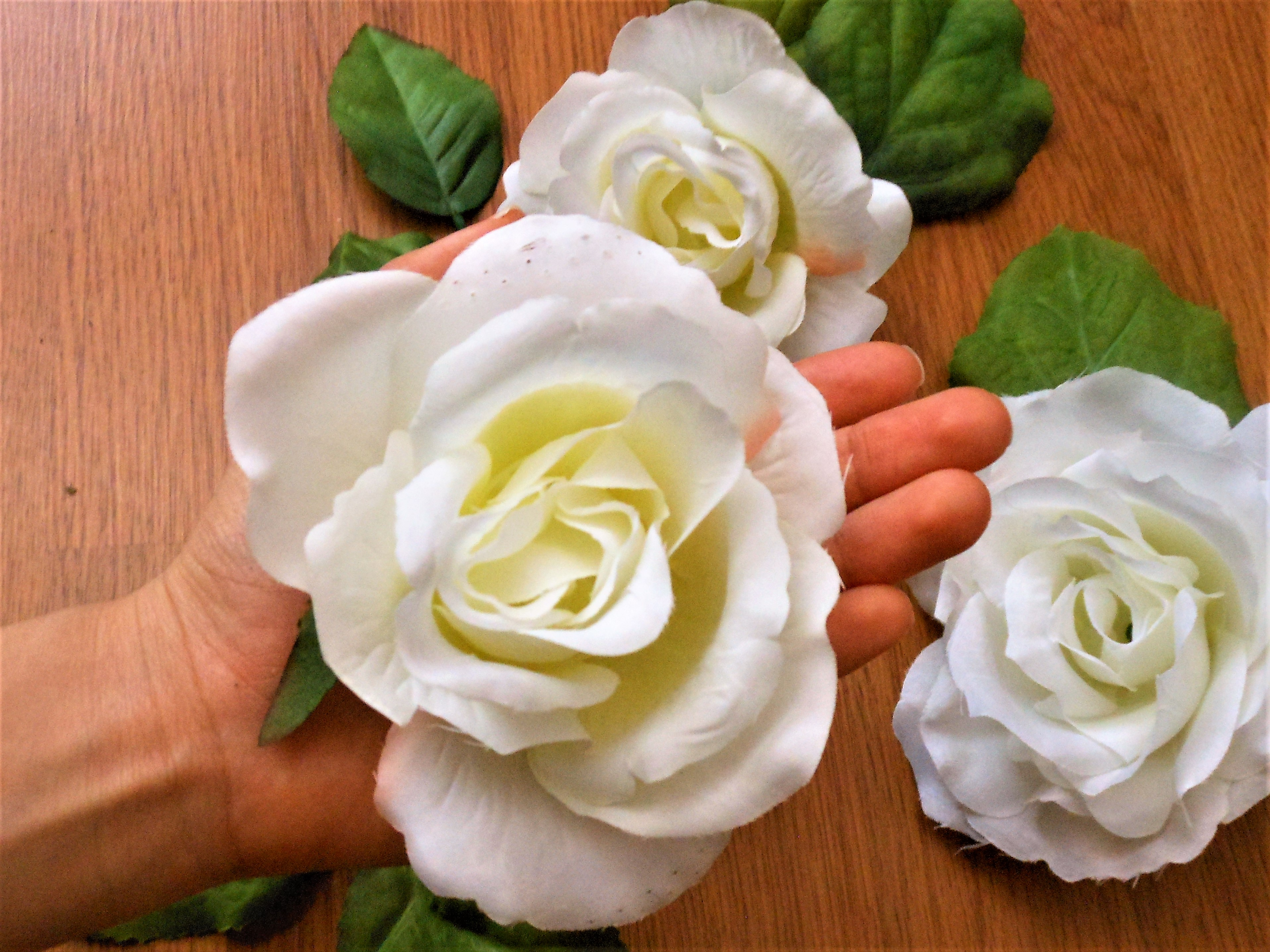 Artificial flowers for decoration
