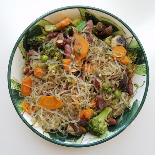 kelp noodle bowl with mixed veggies
