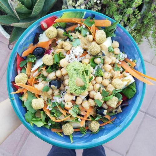 fresh and green salad